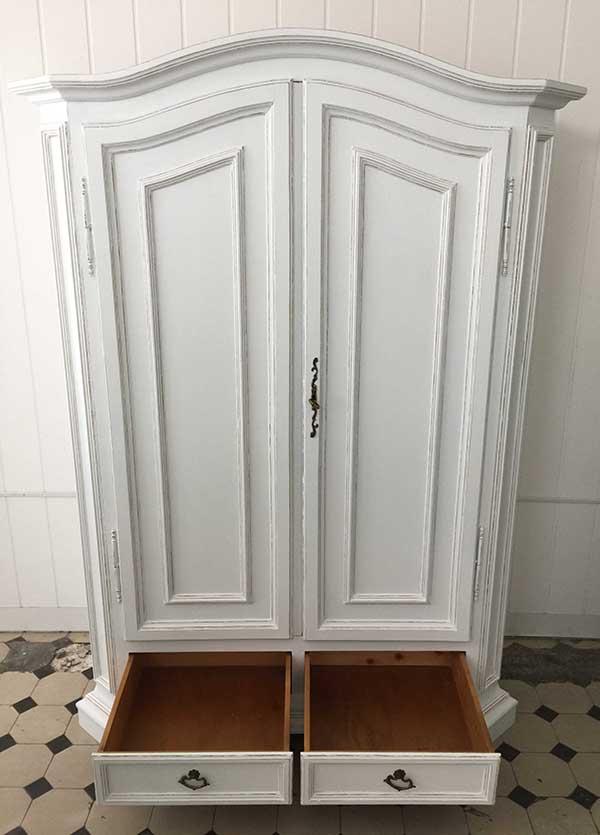 shabby chic kleiderschrank d sir e kleiddich. Black Bedroom Furniture Sets. Home Design Ideas