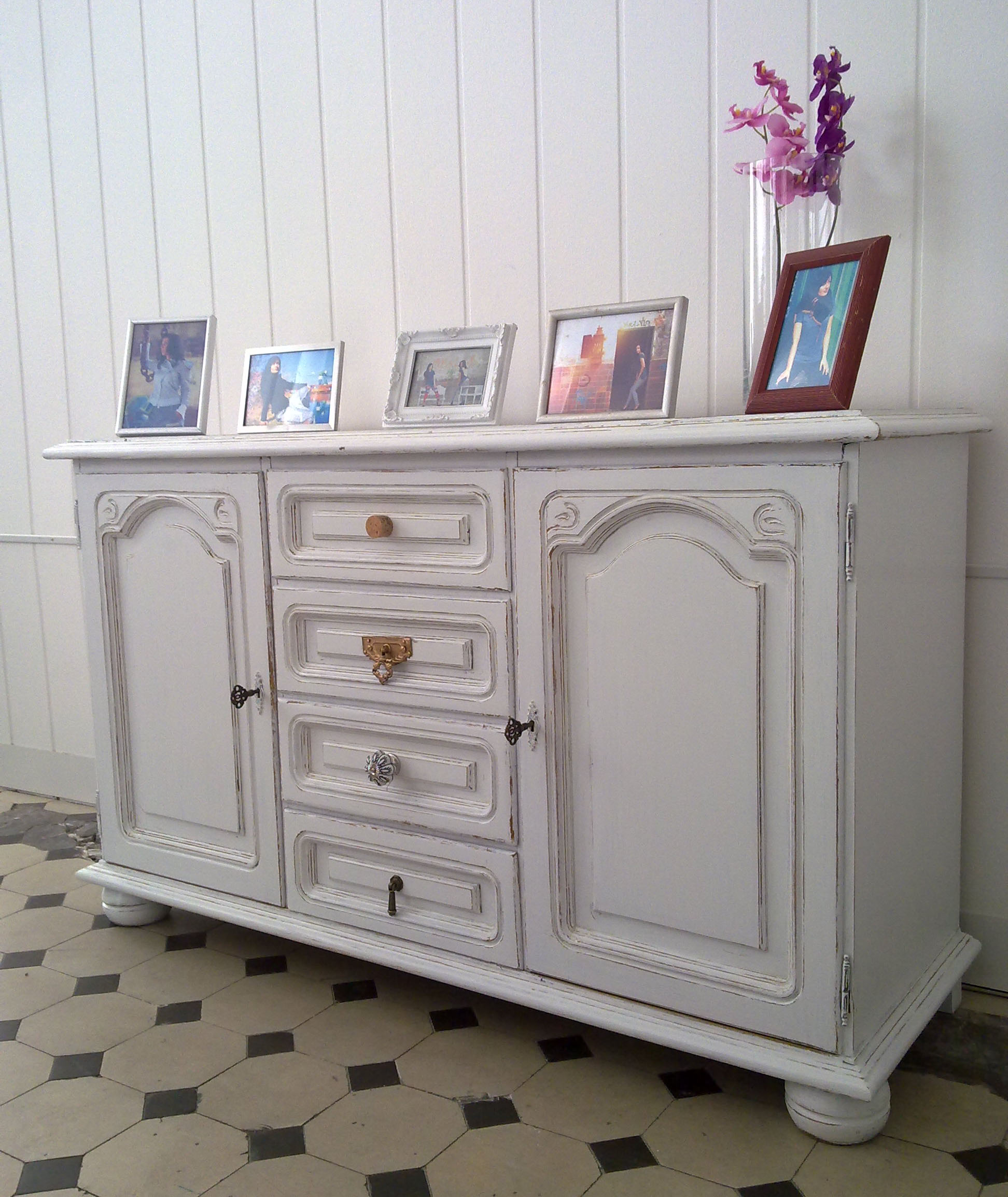 shabby chic sideboard anida kleiddich. Black Bedroom Furniture Sets. Home Design Ideas
